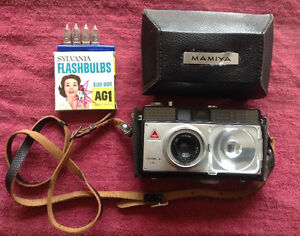 Mamiya Camea Vintage, 35mm Automatic Camera and Case with Flash