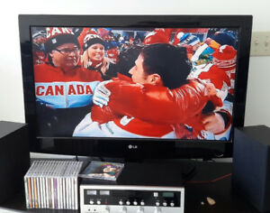 """GREAT 2 nd.TV OR  AT THE COTTAGE 37"""" LG FLAT SCREEN HD LED TV"""