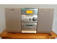 Micro Sony HiFi Compact System CMT-EP303 Cassette/CD/Radio Excellent sound quality