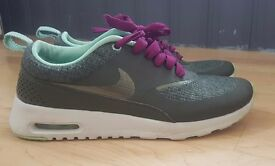 Womens nike thea trainers size 4 perfect condition