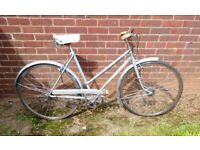 "HAND BUILT in ENGLAND, ""DAWES"" Town/ Country Cycle 21"" Frame,26"" Wheels NEW Parts SERVICED"