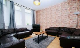 8 bedroom house in Croydon Road, Middlesbrough, TS1 (8 bed) (#946385)