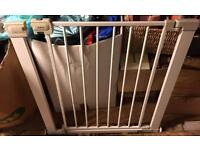 Safety 1st pressure stair gate
