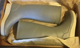 Genuine New Ladies Le Chameau Wellies, Grey