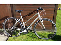 Ladies Trek hybrid cycle in excellent condition, Model 7.4 FX, 27 speed, frame size 20 (56.8cm).