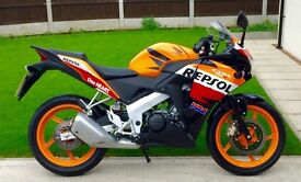 Stunning and immaculate Honda CBR125R (Repsol Edition) Only 1500 miles on clock UK DELIVERY AVAIL