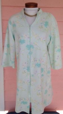 MISS ELAINE Robe Sz M Quilted FULL ZIP FRONT 2 Pockets Super Comfy Calf Length ()