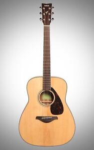 Wanted//Looking for : A Yamaha FG800 acoustic guitar.