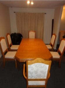 6 Chair Dinning Table Set $245, Good Condition