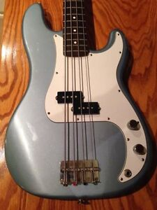 Fender Precision Bass Ice Blue (MIM)