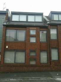2 bedroom flat in Heald Street, Garston, L19