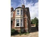 2 bedroom flat in West Wycombe Road, High Wycombe, HP12