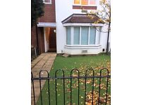 3 bedroom house in Greenford Avenue, London, W7