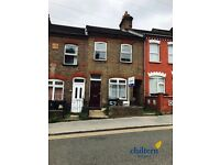 2 bedroom flat in Dallow Road, Luton, LU1