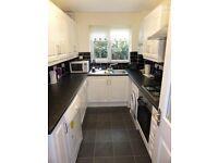1 bedroom flat in Fernbank, Church Road, Buckhurst hill, IG9