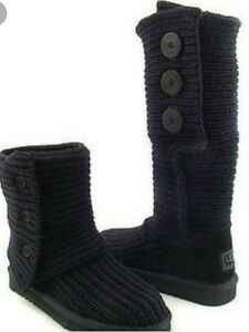 UGGS black cardi size 10 looking to trade for a 9