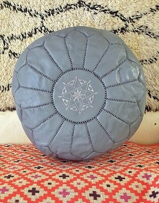 Marroquí Gris MANO Puntada Cuero puf
