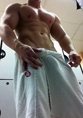 Shirtless Athletic Male Body Builder Muscular Jock in Towel Dude PHOTO 4X6 N235*