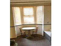 Large 1 bedroom flat - Holbeck LS11 - No DSS