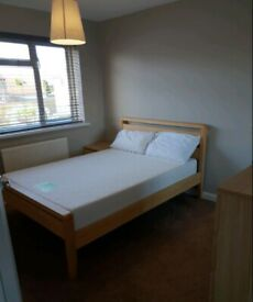 Lovely Single Room to Rent in a Shared House on Masons Road, Slough SL1