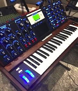 Mini Moog Voyager ( Back Light & Slew Rate Mod)