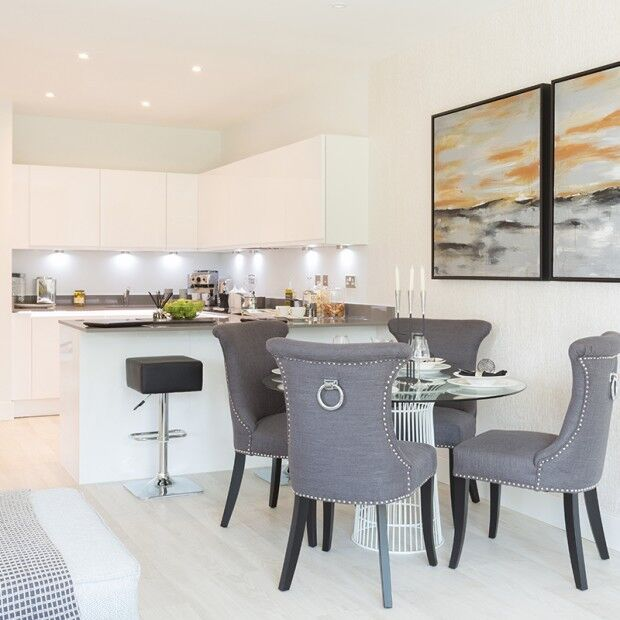 3 bedroom flat in Abbotsford Court Lakeside Drive, Park Royal, London, NW10