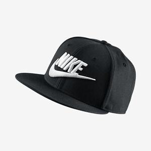 Nike Futura True 2 Snapback Base Cap schwarz weiß Freizeit Sport