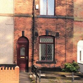 2 bedroom house in Rochdale Old Road, Bury, BL9