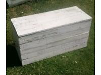 Solid wood shabby chic reclaimed pallet wood blanket toy box chest trunk