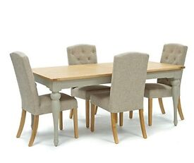 Willis & Gambier extending dining table & 6 chairs