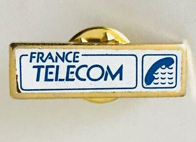 France Telecom White Pin Badge Vintage  C8