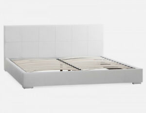 King sized Structube bed, less than 1 year, excellent condition