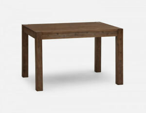 Wood dining table - BRAND NEW - BARLEY USED !