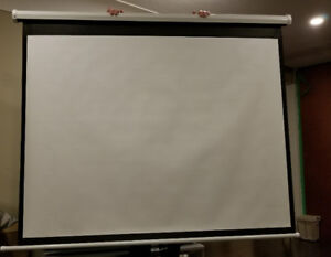 70 INCH  **** Brand New **** pull down projector screen