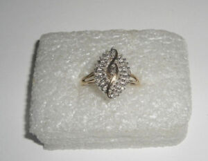 10K Gold Diamond Cluster Cocktail Ring Size 7.5