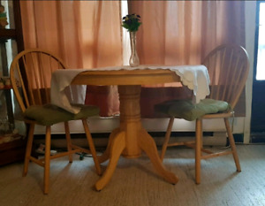 40' Round Solid Oak kitchen table