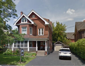 Showing Saturday. Rooms for rent in September near Laurier