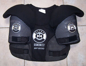 CCM SP200 Ultra Hockey Senior Large Shoulder Pads