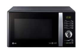 LG Microwave Black in excellent condition !