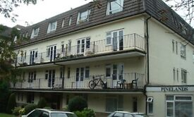 Roberts are delighted to offer this well presented second floor studio flat situated in Bournemouth