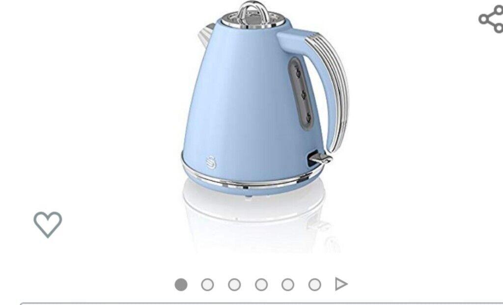 Swan kettle toaster | in Ryton, Tyne and Wear | Gumtree