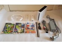 WHITE NINTENDO WII CONSOLE 3 GAMES BEN 10 OMNIVERSE, ALIEN FORCE & MARIO & SONIC OLYMPICS. ALL LEADS
