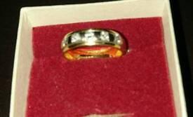 18ct gold diamond set ring