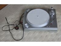 USB Turntable with spare stylus, counterbalance and CD