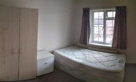 LARGE SINGLE ROOM TO LET IN HENDON!