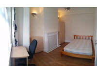 Sunny 2 BIG double rooms by Edmonton Green station