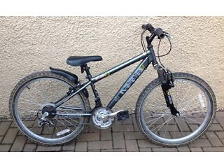 """Bike/Bicycle.UNISEX RALEIGH """" AWESOME """" MOUNTAIN BIKE.SUIT 7-12 YEARS"""
