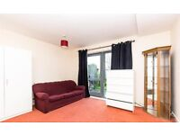 2 BED GARDEN HOUSE - COLINDALE - PRIVATE PARKING - NEW DEVELOPMENT