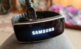 Samsung Gearfit smartwatch