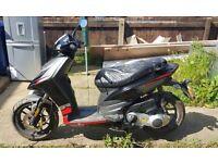 Aprilia sr motard 125cc scooter none runner